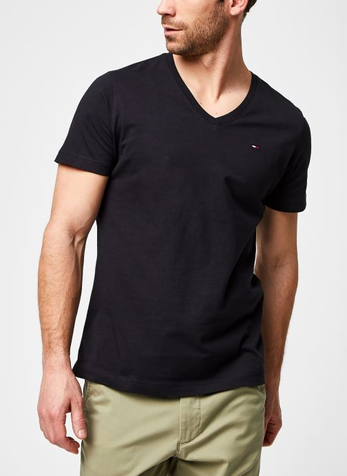 Vêtements Tommy Jeans TJM Original Jersey Tee V Neck Eco Noir vue détail/paire