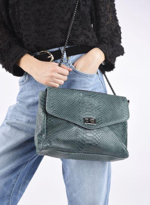Handtaschen Georgia Rose Mylla grün ansicht von unten / tasche getragen
