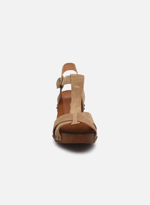 Sandali e scarpe aperte Georgia Rose Dariane Beige modello indossato