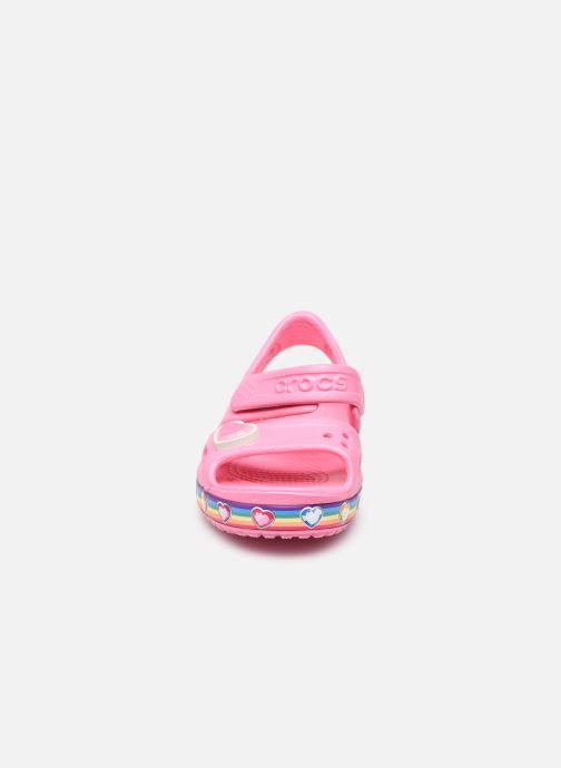 Sandalen Crocs Fun Lab Rainbow Sandal rosa schuhe getragen