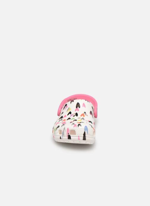 Sandalen Crocs Classic Heart Print Clog K weiß schuhe getragen
