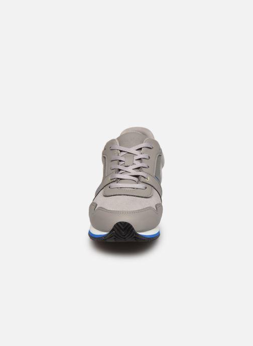 Sneaker BOSS J29253 grau schuhe getragen