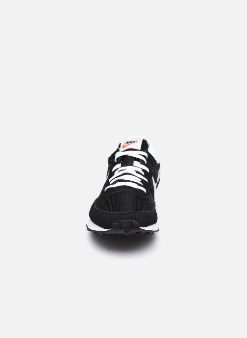 Baskets Nike Nike Challenger Og Noir vue portées chaussures