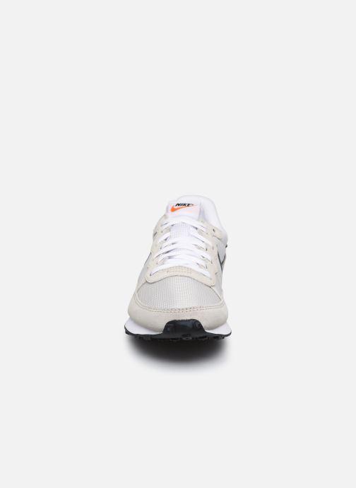 Deportivas Nike Nike Challenger Og Blanco vista del modelo