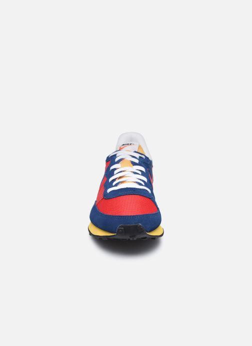 Baskets Nike Nike Challenger Og Rouge vue portées chaussures