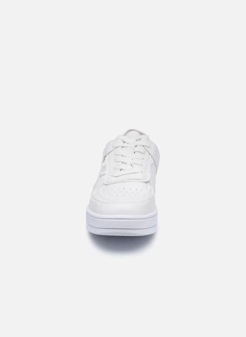 Baskets Xti 44668 Blanc vue portées chaussures
