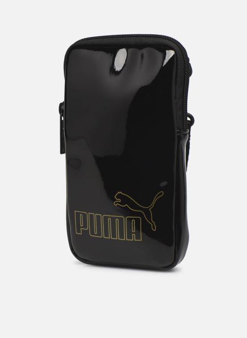 Bolsos de mano Puma Core Up Sling Bag Negro vista del modelo