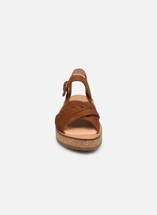 Sandales et nu-pieds El Naturalista Tulbend N5590 Marron vue portées chaussures