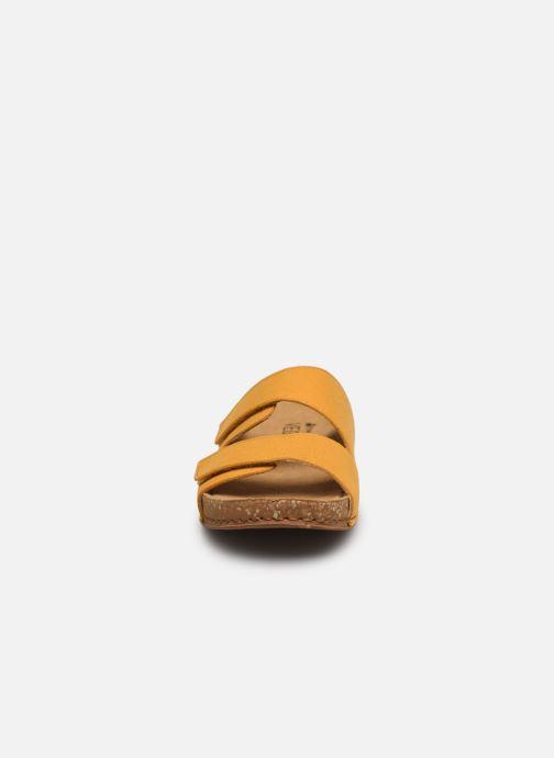 Sandales et nu-pieds El Naturalista Balance N5792T Vegan Jaune vue portées chaussures