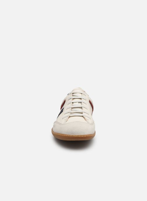 Baskets El Naturalista El Viajero N5279 Blanc vue portées chaussures