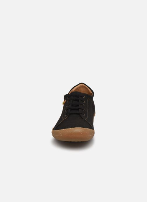 Sneakers El Naturalista Pawikan N5767T Vegan Nero modello indossato