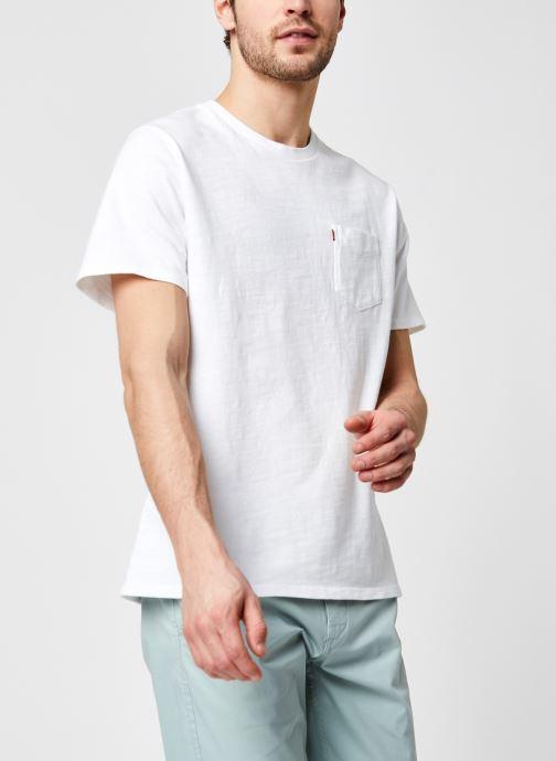 Vêtements Levi's Relaxed Fit Pocket Tee Blanc vue détail/paire