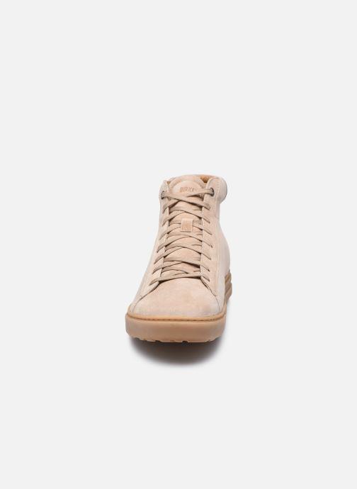 Sneakers Birkenstock Bend Mid Beige modello indossato