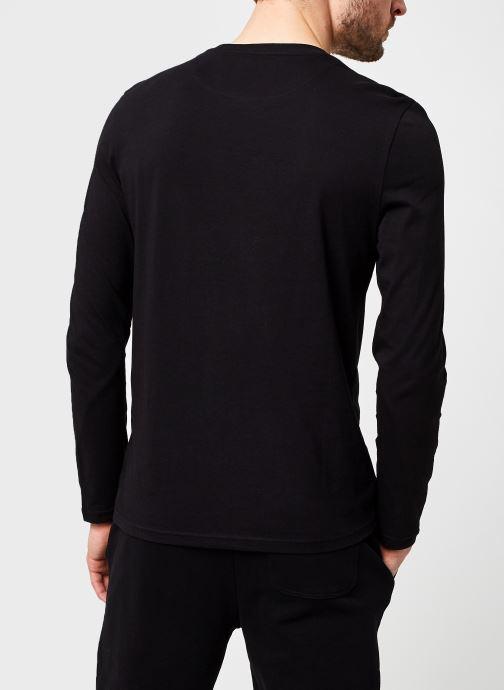 Kleding Lyle & Scott L/S Crew Neck T-shirt Zwart model