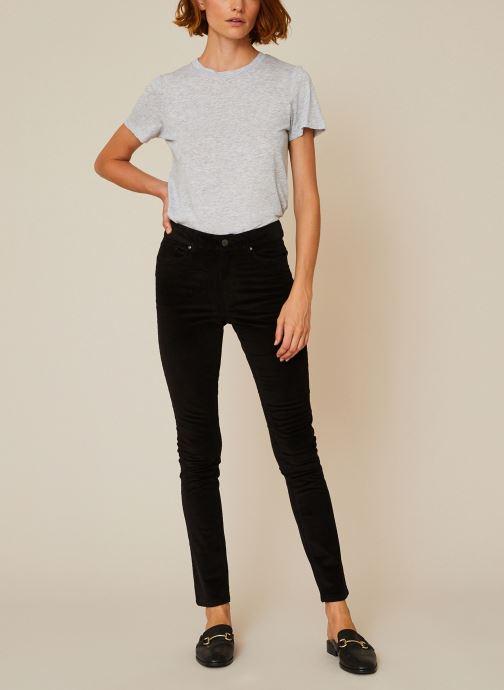 Vêtements Monoprix Femme Pantalon skinny en velours Noir vue détail/paire