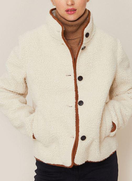 Vêtements Monoprix Femme Veste courte bouclettes Beige vue détail/paire
