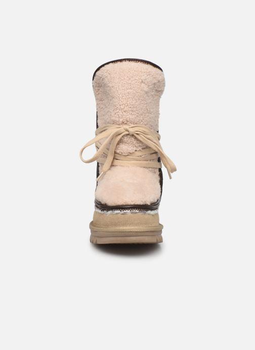 Bottes Les Tropéziennes par M Belarbi Jepsie Beige vue portées chaussures