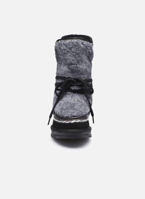 Bottes Les Tropéziennes par M Belarbi Jepsie Noir vue portées chaussures