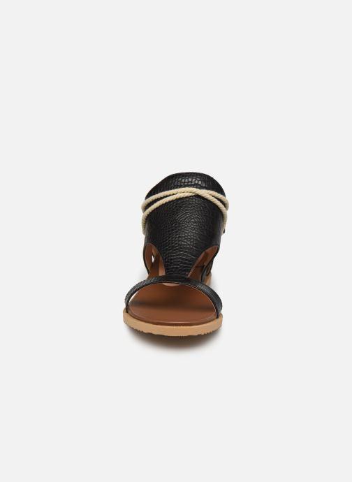 Sandales et nu-pieds Chattawak JOY Noir vue portées chaussures