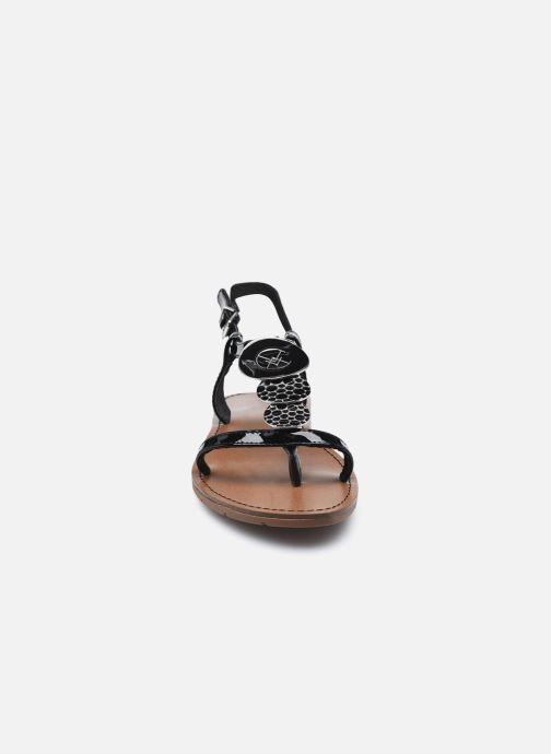 Sandales et nu-pieds Chattawak PIPA Noir vue portées chaussures