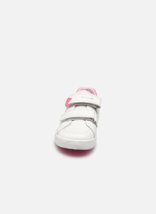 Sneaker Geox B Kilwi Girl B15D5A weiß schuhe getragen