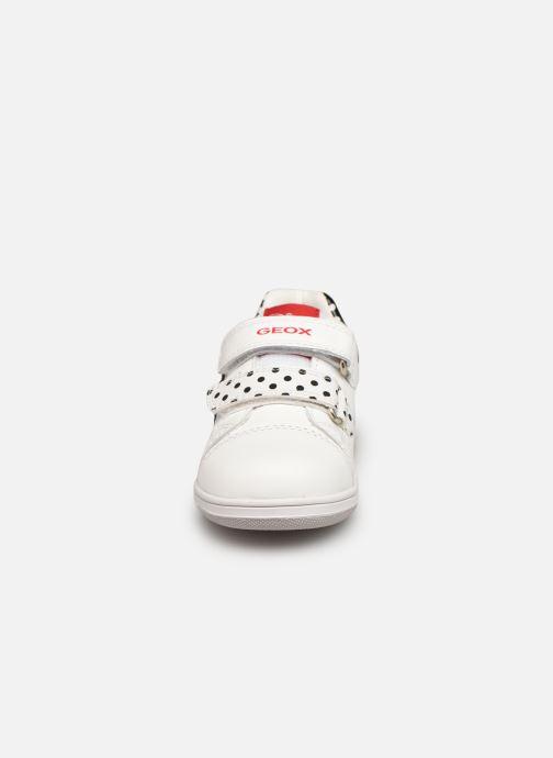 Sneaker Geox B New Flick Girl B151HA x Minnie weiß schuhe getragen