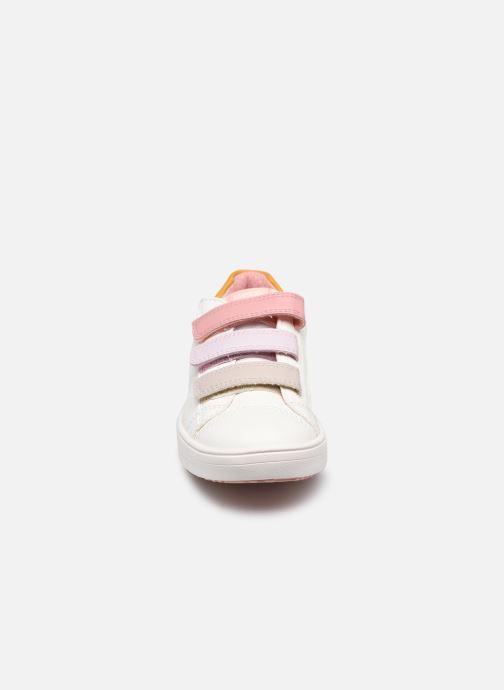 Sneakers Geox J Silenex Girl J15DWB Bianco modello indossato