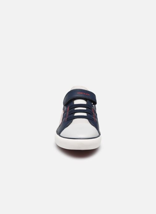 Sneakers Geox J Gisli Boy J155CA Grigio modello indossato
