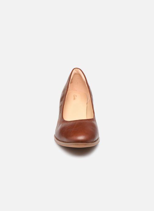 Escarpins Clarks Kaylin60 Flex Marron vue portées chaussures