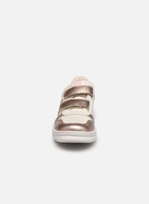 Sneaker Camper Runner Double V weiß schuhe getragen