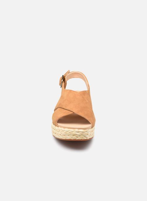 Sandales et nu-pieds Clarks Unstructured Kimmei Cross Jaune vue portées chaussures