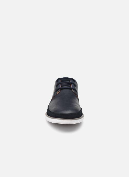 Chaussures à lacets Clarks Unstructured Bratton Lace Bleu vue portées chaussures