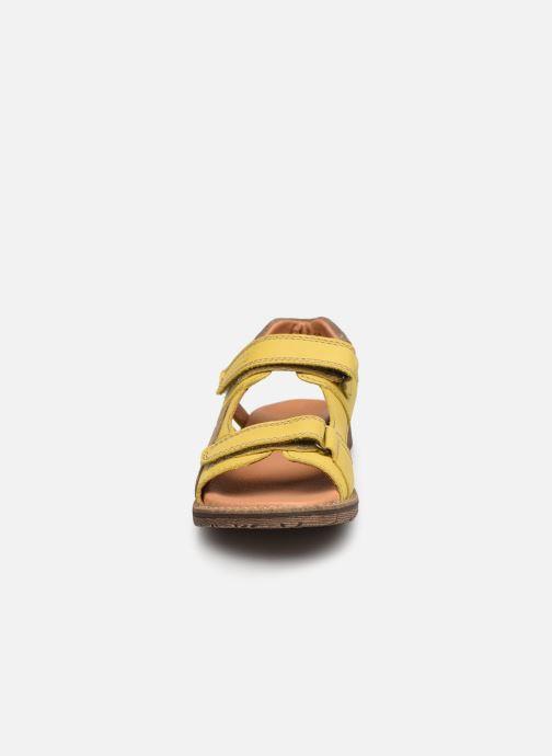 Sandalen Froddo G3150194 gelb schuhe getragen