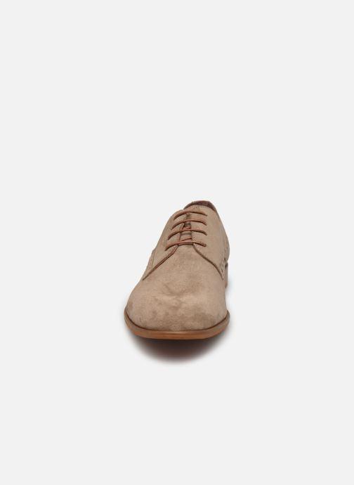 Scarpe con lacci Marvin&Co MADEN Beige modello indossato