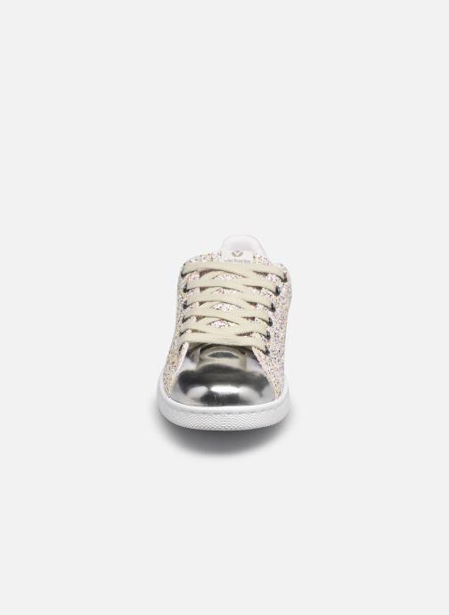 Sneaker Victoria Tenis Glitter Combinado silber schuhe getragen