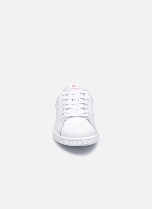 Sneakers Victoria Tenis Piel W Rosa modello indossato