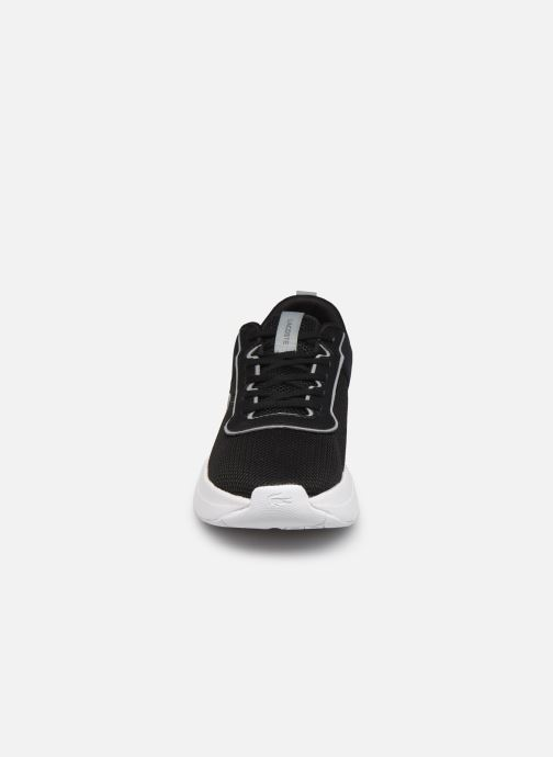 Sneakers Lacoste COURT-DRIVE 0721 1 SUJ Nero modello indossato