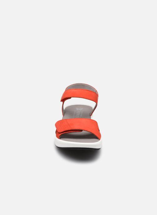Sandali e scarpe aperte Mephisto Tany R Rosso modello indossato