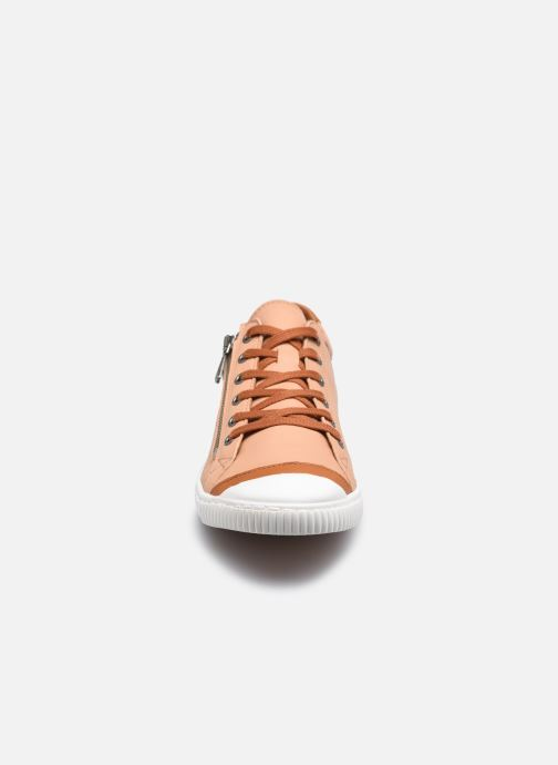 Baskets Pataugas BAHIA F2G N Marron vue portées chaussures