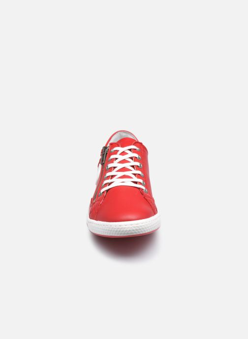 Baskets Pataugas JESTER/N F2E N Rouge vue portées chaussures