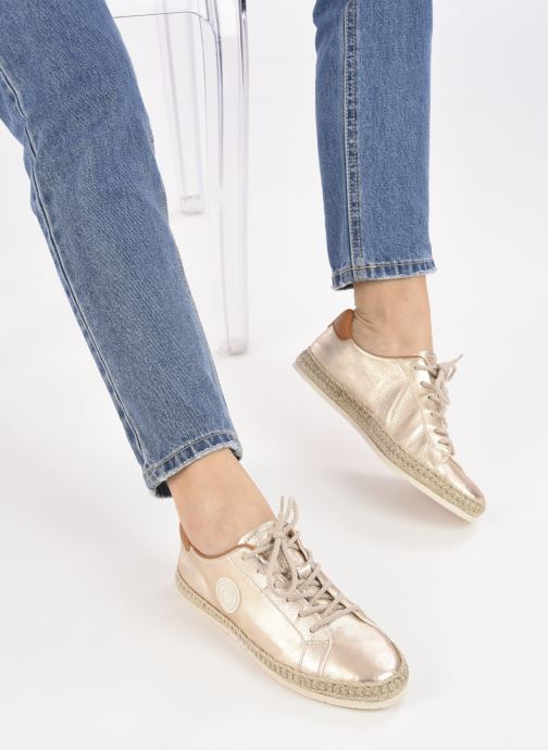 Sneaker Pataugas PAM/M F2E N gold/bronze ansicht von unten / tasche getragen