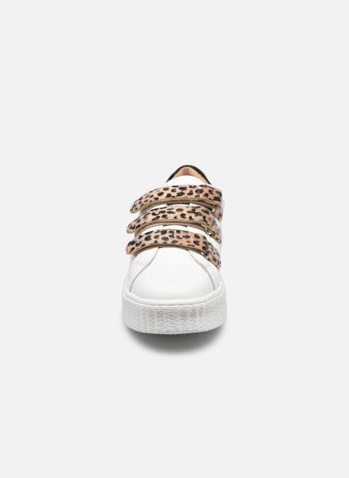 Baskets Vanessa Wu BK2229 Beige vue portées chaussures