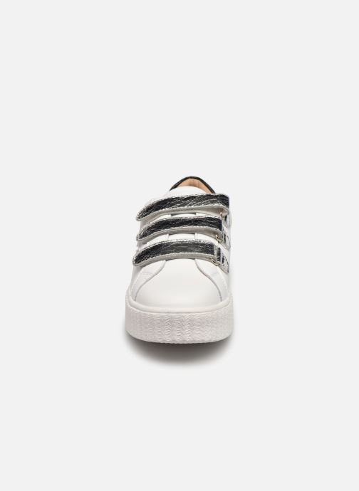 Baskets Vanessa Wu BK2231 Blanc vue portées chaussures