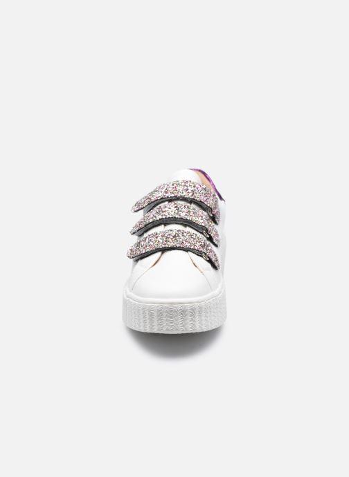 Sneaker Vanessa Wu BK2146 weiß schuhe getragen