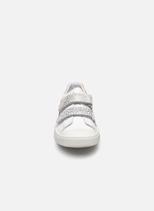 Sneaker Bopy Sadouvel weiß schuhe getragen