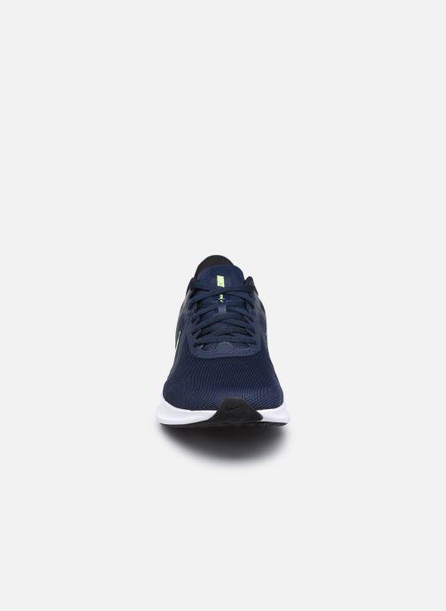 Chaussures de sport Nike Nike Downshifter 10 Bleu vue portées chaussures