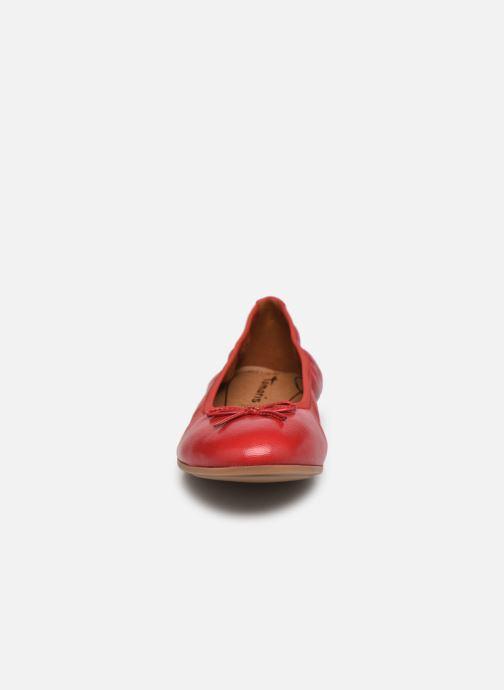 Ballerines Tamaris Plum Rouge vue portées chaussures