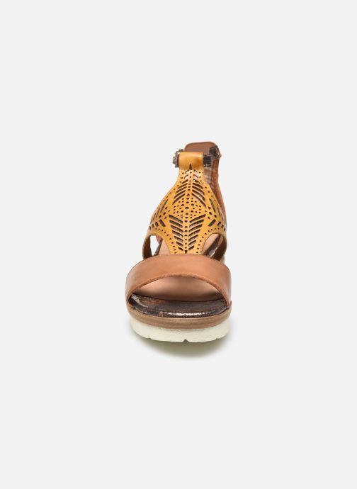 Sandales et nu-pieds Tamaris Aieta Jaune vue portées chaussures