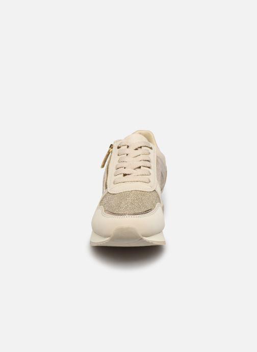 Baskets Tamaris Milessa Beige vue portées chaussures