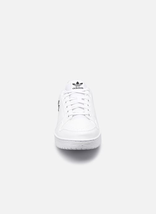 Sneakers adidas originals NY 92 M Bianco modello indossato
